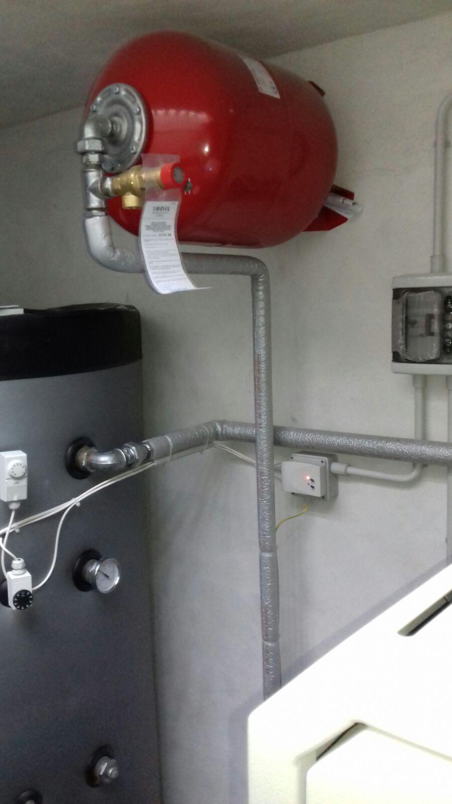 Realizzazione impianto con caldaia a biomassa alimentata a for Ricambi stufe scan