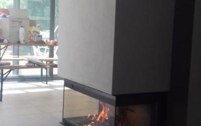 Realizzazione di installazione camino/monoblocco a legna modello MCZ Forma Wood